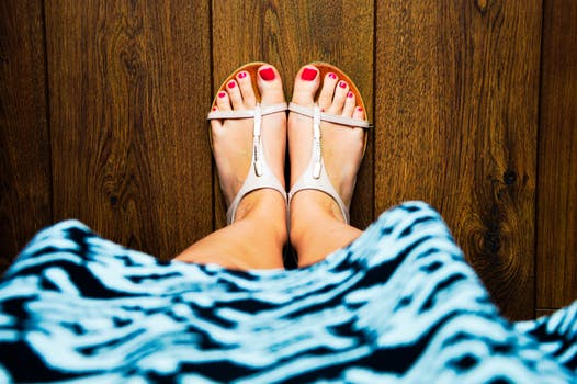 Dos and Don'ts Sandals