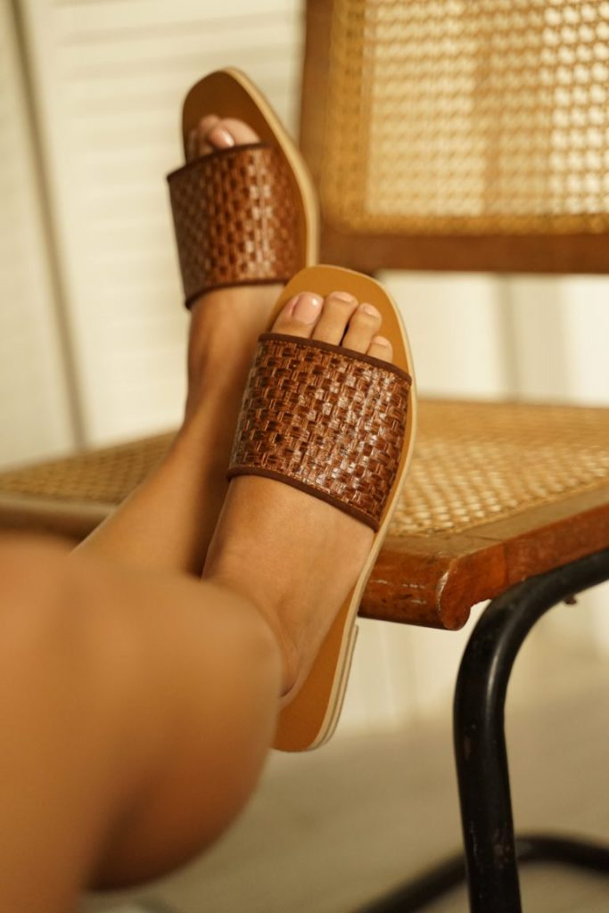 Slippers made out of banig