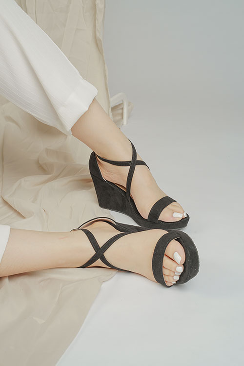 Tutum's Fifi Black Wedge