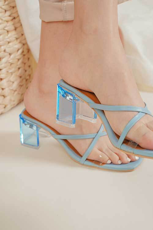 Colton Ocean statement clear heels